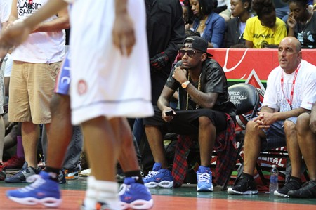 fabolous-swizz-beatz-make-surprise-appearance-rucker-park-01