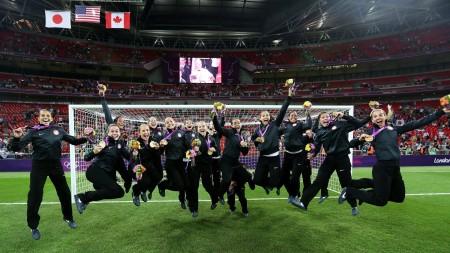 London-2012-Summer-Olympics-Womens-US-Soccer-Team-jumping